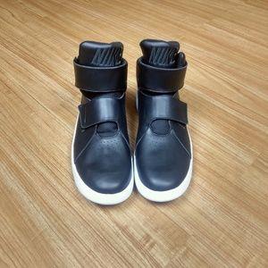 NWOB Nike marxman black sneakers